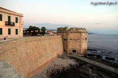 Torre San Giacomo, Alghero, Sassari, Sardegna. 40°33′28″N 8°19′19″E