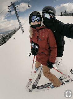 10 Reasons Why You Should Ski With The One You Love. Don't lament that you miss the fun we had together ski-ing and iceskating and complain to me that your wife doesn't even ride a bike. Cute Relationships, Relationship Goals, Photo Main, Photo Couple, Ski And Snowboard, Ski Ski, Snowboarding Outfit, Snowboarding Women, Apres Ski