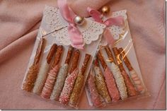 Cute dipped pretzels for gifts to co-workers, teachers, friends.