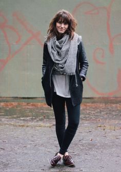 The Moptop - Oversized Houndstooth Scarf