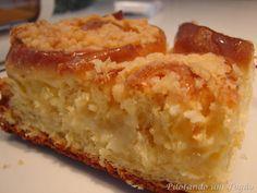 CUCA DE COCO E LEITE CONDENSADO Bread Recipes, Cake Recipes, Dessert Recipes, Cooking Recipes, Desserts, Oreo Torta, Coco, Portuguese Recipes, My Best Recipe