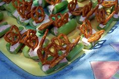 Butterfly Snacks - Celery, strawberry cream cheese and pretzels.  So cute.