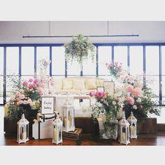 もはやフォトブース並み♡インスタグラムで見つけた可愛すぎる「高砂装飾」まとめ | marry[マリー] Photo Corners, Centerpieces, Table Decorations, Concept Home, Wedding Seating, Photo Studio, Photo Booth, Tablescapes, Wedding Flowers