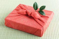 Tuesday Tutorials – Reusable Gift Wrap Ideas | Homegrown Joy