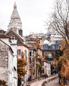 Instagram: @midnight_mystique Montmartre Paris, Places To Travel, Travel Destinations, Places To Visit, Jolie Photo, Best Cities, Wanderlust Travel, Architecture, Travel Usa