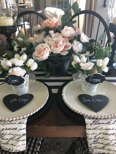 In this post I'm sharing some fun and simple Valentine day decorating ideas, Valentine table decor, romantic table ideas, fun valentine day kids table, easy valentine's day table Simple Table Decorations, Decoration Table, Valentines Day Dinner, Valentines Day Decorations, Kids Valentines, Funny Valentine, Dining Room Table Decor, Deco Table, Kid Table