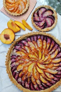 sweets dessert recipes dessert ideas easy desserts sweet treats food photography food styling fall recipes yummy treats cakes and pies breads barks bread pudd. Dessert Simple, Pie Recipes, Dessert Recipes, Cooking Recipes, Peach Tart Recipes, Fruit Recipes, Comida Diy, Plum Tart, Plum Pie