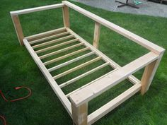 Build an outdoor daybed gardening мебель своими руками, дом, Wood Daybed, Diy Daybed, Outdoor Daybed, Diy Outdoor Furniture, Furniture Projects, Home Projects, Diy Furniture, Daybed Couch, Daybed Ideas