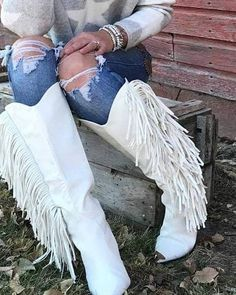 The Sinatra's White Fringe Boots – Baha Ranch Western Wear Fringe Boots Outfit, Fringe Moccasin Boots, Boho Boots, Cowgirl Boots, Western Style, Western Wear, Western Boots, Country Boots, White Horses