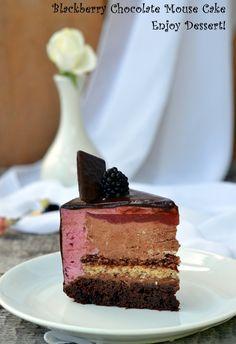 Tort cu mousse de mure si ciocolata