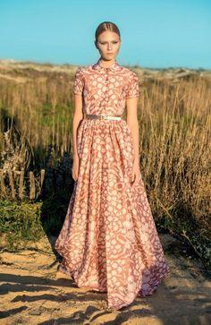 #Modest doesn't mean frumpy. #style #fashion www.ColleenHammond.com