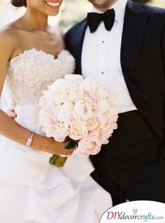 Take a look at 14 amazing white wedding bouquet photos you will love in the photos below and get ideas for your wedding! Flower Muse Our Favorite: White Flowers for a beautiful wedding bouquet Image source Peony Bouquet Wedding, Bride Bouquets, Floral Wedding, Nautical Wedding, Blush Bouquet, Bridal Bouquet White, Wedding Blush, Flower Bouquets, Elegant Wedding