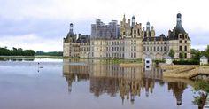 Chuvas torrenciais causaram inundações nas proximidades do Castelo de Chambord, na França. Os alagamentos e a cheia do rio Sena deixaram o país em alerta. Em Paris, o Museu do Louvre, ficará fechado para a remoção de obras de arte de salas ameaçadas pelas águas