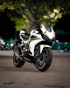 Honda Sport Bikes, Moto Car, Supersport, Futuristic Technology, Riding Gear, Super Bikes, Cbr, Bike Life, Cool Bikes