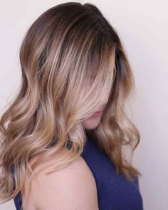 Double tap for these - Best Content Ever - BCE Network Blonde Waves, Light Blonde Hair, Schwarzkopf Professional, Natural Hair Styles, Long Hair Styles, Double Tap, Hair Goals, Hairdresser, Content