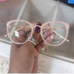Glasses Frame With Clear Lens For Women clear glasses men best eyeglasses for men transparent prescription glasses best eyeglasses Glasses Frames Trendy, Cool Glasses, New Glasses, Best Eyeglasses, Glasses Trends, Lunette Style, Fashion Eye Glasses, Sunglasses Accessories, Eyewear