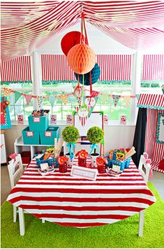 A Carnival-Themed Classroom   30 Epic Examples Of Inspirational Classroom Decor
