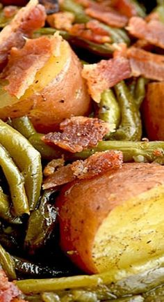 Southern green beans and potatoes with Vidalia onion and bacon - FOOD - . - Southern green beans and potatoes with Vidalia onion and bacon – FOOD – # Green # - Cooked Vegetable Recipes, Vegetable Korma Recipe, Vegetable Side Dishes, Veggie Recipes, Vegetable Samosa, Vegetable Casserole, Healthy Recipes, Vegetable Pizza, Recipes With Vegetables