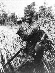 Soldaten im Einsatz   2 Sqn SASR patrol member expresses his...
