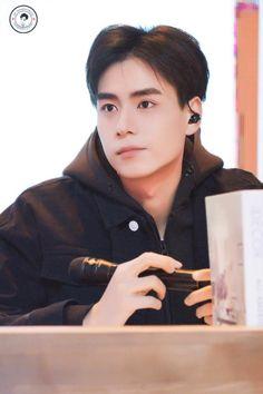 Chines Drama, A Love So Beautiful, Meteor Garden, Handsome Actors, Son Luna, Asian Actors, K Idols, Korean Drama, China