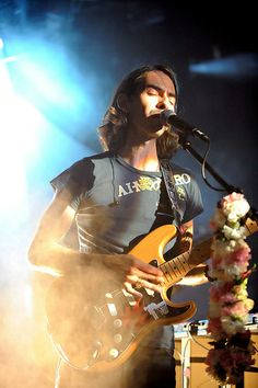 really snazzy photo of Dhani live <3