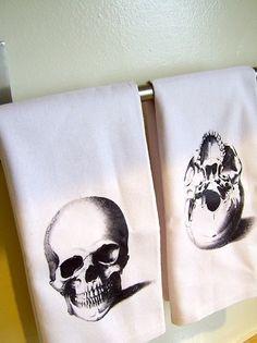 Skull hand towels.