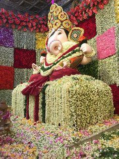 Dagdusheth Ganpati, Ganpati Bappa, Shri Ganesh, Lord Ganesha, Ganesh Wallpaper, God Pictures, Indian Gods, Shiva, Buddhism