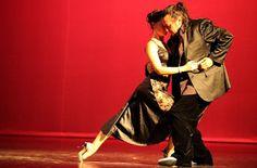 Il tango di Eloy e Laura giovedì 29 agosto alla Residenza Charme.  Eloy Souto e Laura Elizondo  propongono una serata speciale giovedì 29 agosto per tutti gli aficionados della danza dell'abbraccio. Nel meraviglioso contesto offerto dalla Residenza Charme -S.S. 387 km 11.700 str. per Dolianova Monserrato- Eloy e Laura impartiranno, alle 20.15, la lezione per tutti i livelli. #DanzaCagliari #TangoCagliari #Tango #Danza