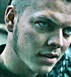 Ivar the Boneless Ivar Vikings, Vikings Ragnar, Vikings Show, Vikings Tv Series, The Way Movie, I Movie, Ivar Ragnarsson, Viking Pictures, Viking Series