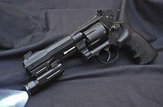 Model M&P R8