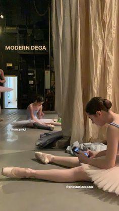 Ballet School, Ballet Class, Ballet Dancers, Dance Dreams, In Another Life, Ballet Photography, Ballet Beautiful, Dance Art, Dream Life
