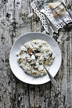 Pratos e Travessas: Risotto de cogumelos e tomilho * Cremini mushrooms and thyme risotto * Recipes, photography and stories