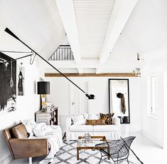 HOW THE INTERIOR STYLIST LIVES?