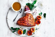 Curtis Stones best-ever glazed ham - December 26 2018 at - Amazing Ideas - and Inspiration - Yummy Recipes - Paradise - - Vegan Vegetarian And Delicious Nutritious Meals - Weighloss Motivation - Healthy Lifestyle Choices Christmas Ham, Christmas Recipes, Christmas Dishes, Christmas Baking, Xmas Ham, Christmas Breakfast, Christmas Parties, Christmas 2017, Christmas Ideas