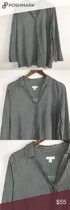 """J. Jill White and Black Printed Button Up Shirt Super cute and soft! Size: M Tall Approximate measurements: Bust - 20"""" across  Length- 29""""    100% Rayon    🏷JJ-12-11042017 J. Jill Tops Button Down Shirts"""