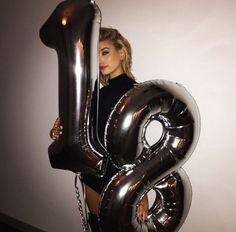 Here's Everything You Need to Know About It Model Hailey Baldwin - Event - Birthday&Gifts Birthday Goals, 18th Birthday Party, Girl Birthday, Tumblr Birthday, Birthday Ideas, Hailey Baldwin, Birthday Girl Pictures, Girl Pics, Foto Casual