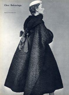 Balenciaga 1952 Evening Coat Manteau en Soie Barbue Noire