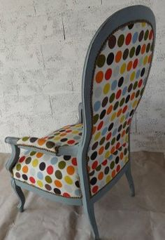 Ils ont eux-même restaurer ou tapisser leur fauteuil ou siège Chair Reupholstery, Take A Seat, Diy Furniture, Restoration, Armchair, Diy Projects, Interior Design, Images, Burgers