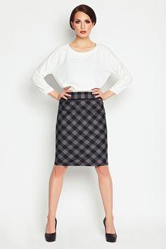 Fusta casual gri de dama Awama #prettymodaro #fustadama #fuste #moda