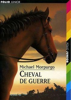 Michael Morpurgo - Cheval de guerre - C'est l'histoire d'un poulain Joey en 1910 en Angleterre qui est séparé de sa maman pour être cheval de ferme. Là-bas, le fermier le maltraite mais son fils Albert passe beaucoup de temps avec lui. 1914 : la guerre éclate et l'armée a besoin de chevaux. Alors, le fermier vend le cheval à l'armée un jour qu'Albert est absent. Joey est amené en France et connaît la vie des soldats