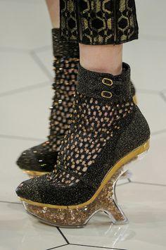 runway-shoes:    Alexander McQueen Paris Spring 2013