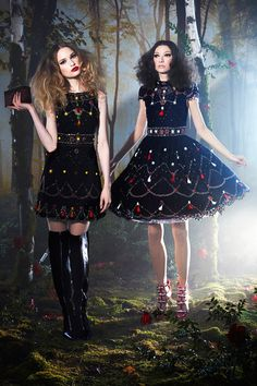 Alice + Olivia | Fall 2014 Ready-to-Wear Collection | Style.com #FALL14RTW #NYFW14 #ALICE+OLIVIA