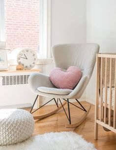 This Prop Stylist's Baby Has The Most Stylish Neutral Nursery This Prop Stylist's Baby Has The Most Stylish Neutral Nursery Emilia Gisele frisurengalerien Furniture For Home This beautiful rocking chair is from Structube and the rug is from HomeSense. Nursery Modern, Baby Nursery Decor, Nursery Neutral, Nursery Room, Nursery Chairs, Nursery Ideas, Rocking Chair Nursery, Bedroom Chair, Swinging Chair