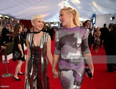 Actors Michelle Williams (L) and Busy Philipps attend The 23rd Annual Screen Actors Guild Awards at The Shrine Auditorium on January 29, 2017 in Los Angeles, California. 26592_012