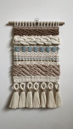 Macrame Wall Hanging Patterns, Weaving Wall Hanging, Macrame Patterns, Weaving Patterns, Knitting Patterns, Knitting Tutorials, Stitch Patterns, Weaving Loom Diy, Weaving Art