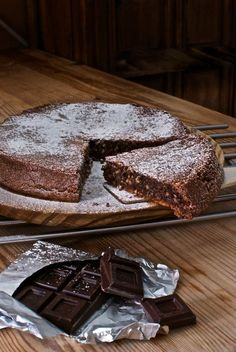 Chocolate cake with courgettes and dates - HQ Recipes Crazy Cakes, Thermomix Desserts, Dessert Recipes, Chocolate Recipes, Chocolate Cake, Sweet Pie, Savoury Cake, Clean Eating Snacks, Sweet Recipes