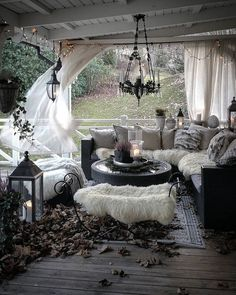 via Amazing place to relax! So cozy – Caitlin J. Harris Home Diy Room Decor, Living Room Decor, Bohemian Bedroom Design, Balkon Design, Tumblr Rooms, Diy Porch, Home Decor Inspiration, Decor Ideas, Decoration