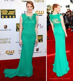 Jessica Chastain in green dress Nina Ricci Pre-Fall 2014 - Looks no tapete vermelho do Critics' Choice Movie Awards 2014