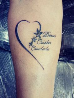 Kid Tattoos For Moms, Mommy Tattoos, Tattoo For Son, Wrist Tattoos For Women, Baby Tattoos, Tattoos For Daughters, Friend Tattoos, Cool Tattoos, Family Tattoos On Wrist