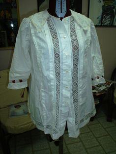 abito camicia da donna con inserti in pizzo e bottoni in madreperla, epoca '800